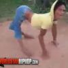 VIDEO Miren que Rara esta mujer vailando Medial Condition That Makes Her Walk On Her Hands And Feet Twerking!