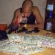 Fotos Rapero dominicano vive en USA sale mostrando miles de dolares