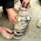 VIDEO miren este buen samaritano todo lo que iso Good Samaritans Use Teamwork to Rescue Kitten