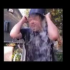 VIDEO LOS MEJORES CUBETAZOS DE AGUA ESAJERADO People F**king Up The Ice Bucket Challenge! (Compilation)