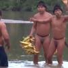 Video: Primer contacto de una tribu indígena aislada en la Amazonía con la civilización