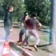 VIDEO miren esta maldita loquera expliquen? Dude Gets Jumped By A Cast Of Crazy Characters!