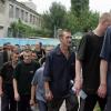 El Ejército de Ucrania reclutará a presos y estudiantes y usará armas de 1930
