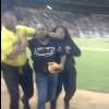 VIDEO Manny Ramirez pega un cuadrangular y un fanático entro demaciado contento