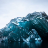 El extraño volteo de un iceberg en la Antártida fotografiado por Alex Cornell