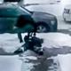 VIDEO Que malditos son lo policias miren Cops Beat & Kick Handcuffed Man!