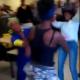 VIDEO Le Rompieron la gafas de una trompa Dollar Tree Fight in Chicago