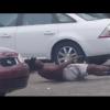 VIDEO Drogado desnudo asiendo deto en la calle Dude Trippin Hard In A Parking Lot