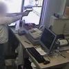 VIDEO Una valacera dentro de una farmancia Pharmacist Shoots Armed Man Who Pulls A Gun On Him
