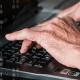 'Hackers' roban 300 millones de dólares de cuentas bancarias de más de 100 bancos
