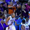 VIDEO Demonio que pelotaso miren Distracted Fan Gets Hit In The Face By Basketball