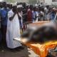 Kenia exhibe los cadáveres desnudos de los sospechosos del atentado de Garissa