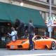 Video BMX'er brinca sobre un carro de lujo Jumps Onto and Over Lamborghini
