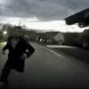 Video Hombre que tiene cojone este miren Cop Refuses to Resort to Deadly Force