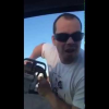 VIDEO Con una cierra miren lo que tratava de aser Man From Quebec Taunts Family In A Car With A Chainsaw!