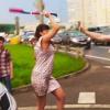Video Mujer casi mata un Hombre a bataso Angry Woman Attacks The