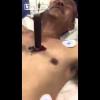 Video Hombre con una navaja clavada en su corazon Almost in the heart, knife moves with his beats!