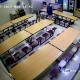 FUERTE VIDEO: Maestro ataca violentamente a un alumno por no limpiar en el comedor