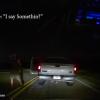 VIDEO: Amenaza con disparar a un Uber pensando que su novia va dentro pero chófer responde primero