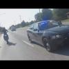 Video POLICIA Enfrenta a mordisco un hombre Motorcycle VS Cops Street Bike Drags Officer