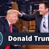 "Precentador le quita la peluca a Donald Trump"" Lets Jimmy Fallon Mess Up His Hair"