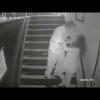 Una cámara de seguridad capta el horrible momento en que un hombre intenta violar a una mujer