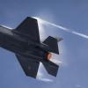 Un 'hacker' accede a datos secretos sobre el caza F-35 a través de Tinder