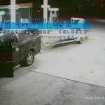 Publican el video del momento en que un modelo mata con un bate a un sintecho que le pidió dinero