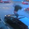 VIDEO: Un Borracho mata a su novia, se tira por una ventana y agrede a los testigos