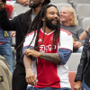VIDEO: Ky-MaMarley entona una icónica canción de su padre con los hinchas en el estadio de Ajax