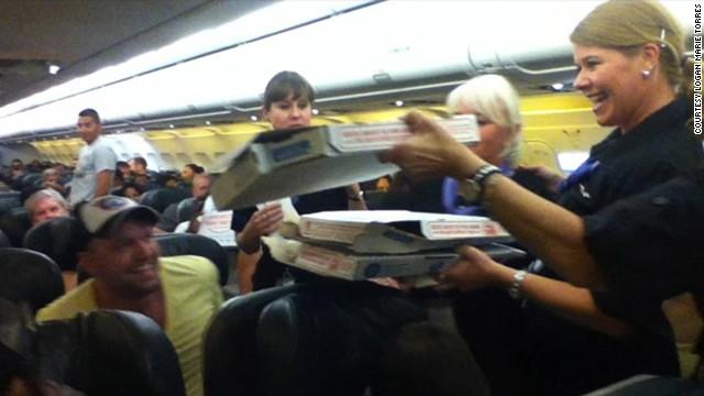 piloto comprando pizza