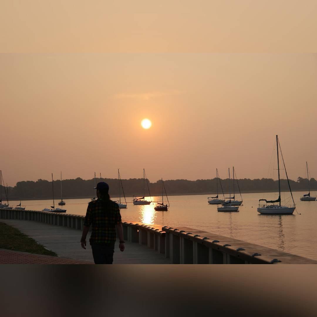 El sol sale siempre cuando salgo ala playa by Elhellip