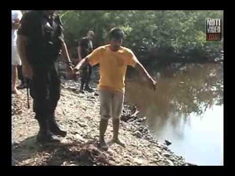 VIDEO Delincuentes lanzan a niño al río con cocodrilos