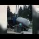 VIDEO: Un camión es 'tragado' por la tierra segundos después de salir de él su conductor